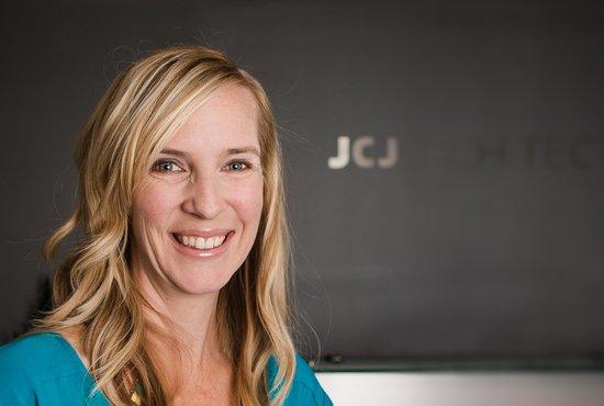 Image of Jennifer Bennett