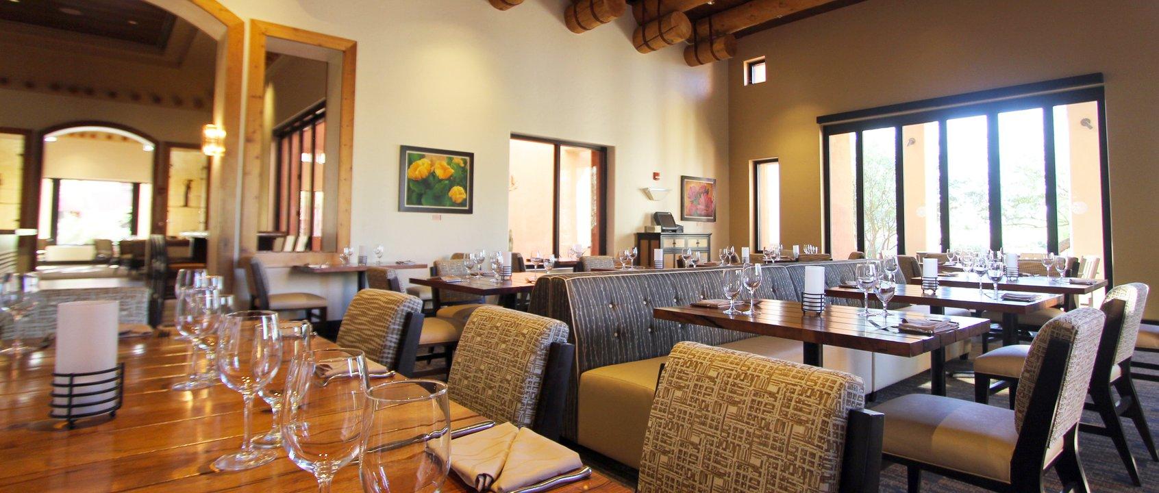 Restaurant Kitchen Pass ko'sin restaurant, sheraton wild horse pass | jcj architecture